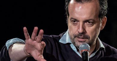 """CUNEIFORME a Racconigi: 9 luglio 2021 con """"In nome del padre"""" di Mario Perrotta"""