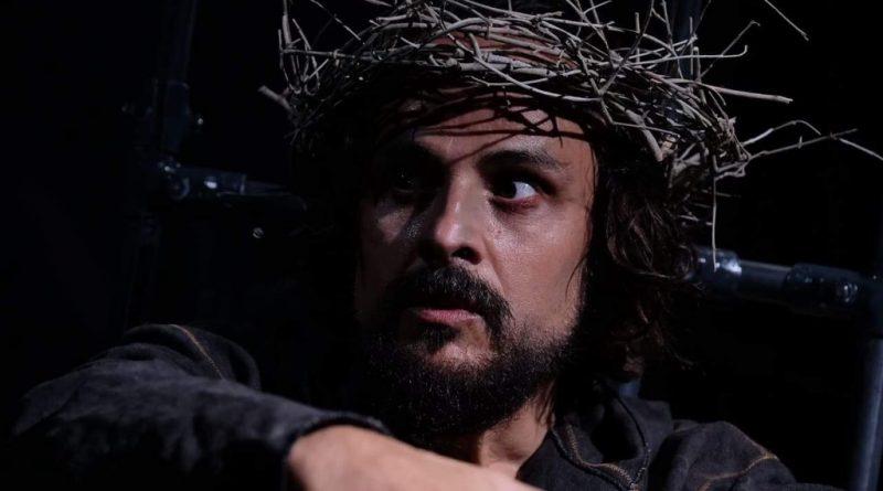 """55^ edizione del Festival teatrale di Borgio Verezzi: Maximilian Nisi ritira la menzione speciale per lo spettacolo """"Giuda"""" di Raffaella Bonsignori"""
